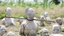 Ghana : un sculpteur commémore l'esclavage des Noirs