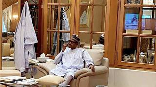 Photo of Buhari 'picking his teeth' has Nigerians talking on Twitter