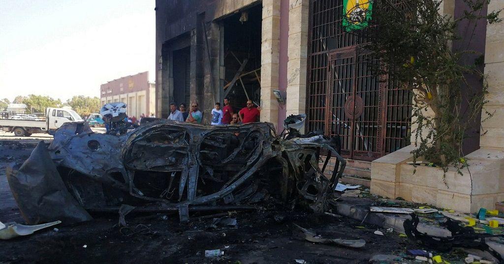 Car bomb in Benghazi kills two UN staff.