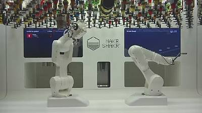 Man beats machine in robot cocktail contest