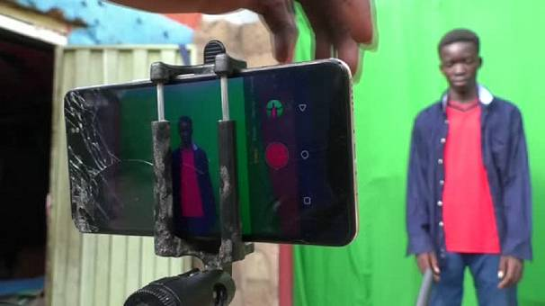 Nigerian teens make sci-fi films with smartphones