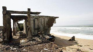 Au Togo, des villages rasés par l'érosion marine