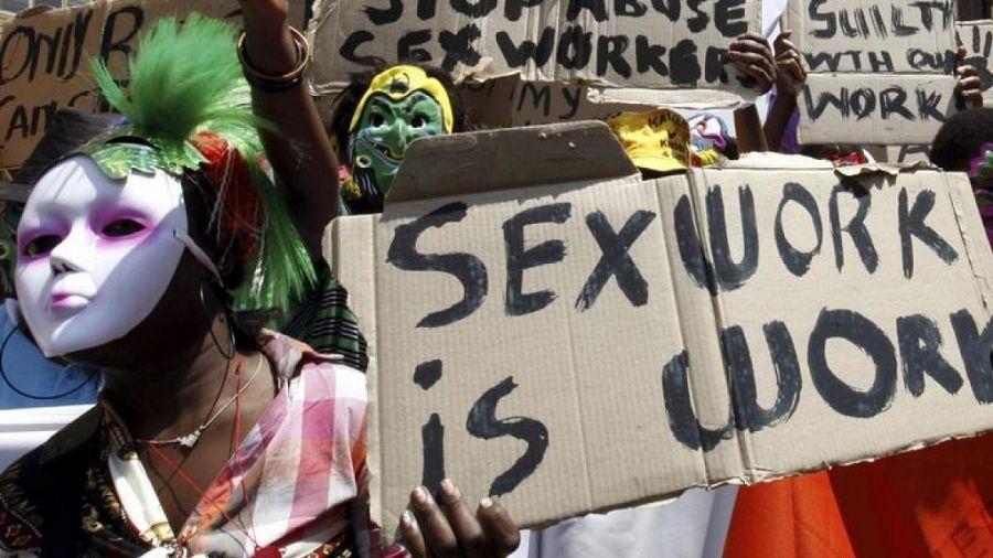 Naked women spanking man