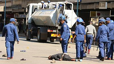 L'opposition zimbabwéenne condamne la répression