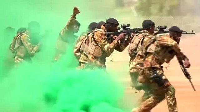 """Burkina : une dizaine de militaires tués dans une """"attaque terroriste d'envergure"""" (armée)"""