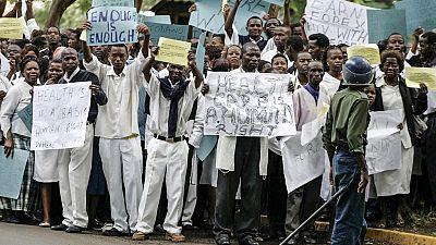 Zimbabwean doctors threaten to strike over pay