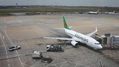 South African pilot 'gatecrashes' runway to help friend catch flight