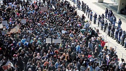 Des manifestants contre les féminicides perturbent le Forum économique mondial au Cap [No Comment]