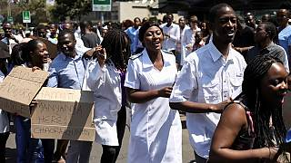 Zimbabwe : les médecins dans la rue