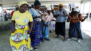 Zimbabwe : dernier hommage à Mugabe dans son village natal
