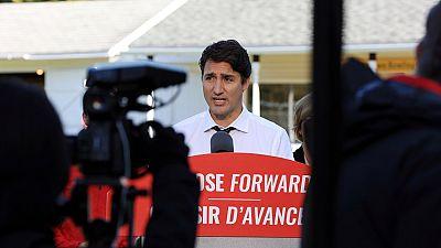 """""""Blackface"""" : le Premier ministre canadien dans la tourmente après des images embarrassantes"""
