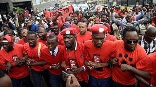 Uganda police arrests Bobi Wine supporters over banned red berets