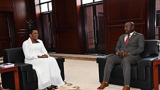 Burundi : le chef de l'Etat reçoit en audience son épouse, et déclenche les railleries d'Internet