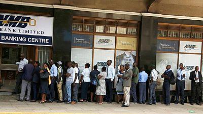 Zimbabwe : rétablissement partiel des retraits de liquide via téléphone mobile