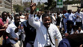 Zimbabwe : des médecins en colère défient le gouvernement