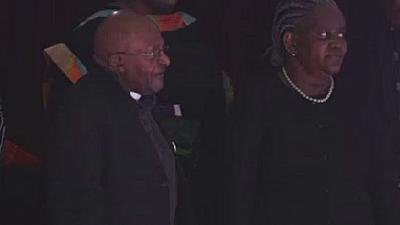 Afrique du Sud : l'archevêque Desmond Tutu souffle sur sa 88è bougie