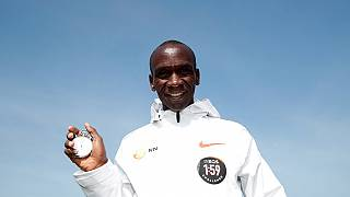 Kenya's Kipchoge sets time for sub-two hour marathon attempt