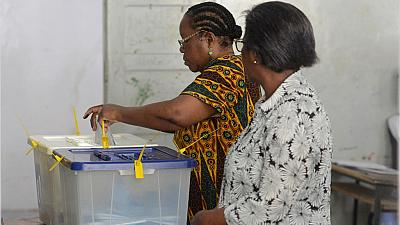 Mozambique votes in tense election