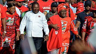 Mozambique's President Filipe Nyusi cast ballot