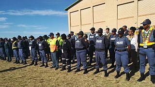 Afrique du Sud: des policiers félicités pour avoir résisté à la corruption