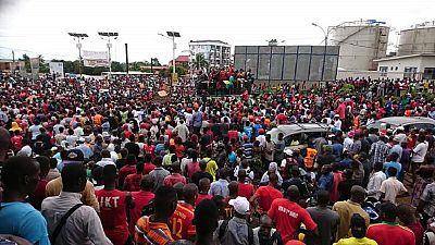 """Guinée : manifestation contre une """"présidence à vie"""" de Condé"""
