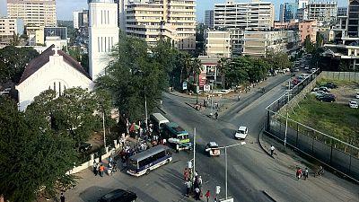 Tanzanie : quatre entrepreneurs chinois arrêtés pour des retards dans les travaux