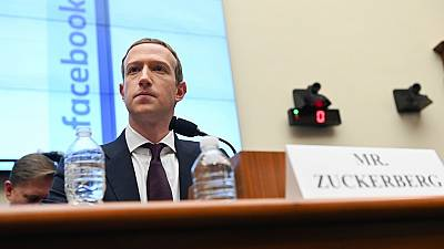 """Facebook démantèle une opération de """"désinformation"""" russe en Afrique"""