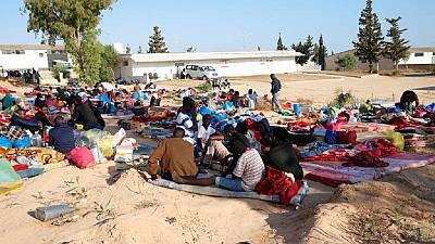 Hundreds of hungry migrants flee Libya detention center
