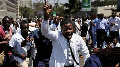 Dollar-indexed pay: Zimbabwe workers protest govt failure