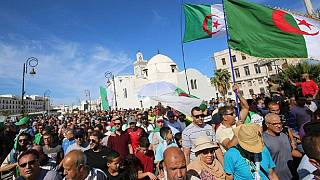 Présidentielle en Algérie : cinq candidats officiellement en lice