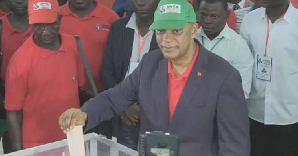 Angola's main opposition party elects new leader