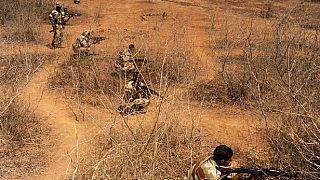 Mali : 24 soldats et 17 jihadistes tués dans des combats