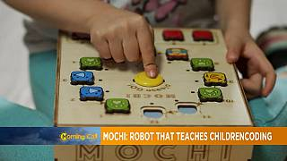 Mochi: Robot that teaches children coding