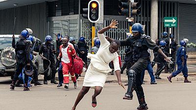 Zimbabwe : un rassemblement de l'opposition violemment dispersé par la police