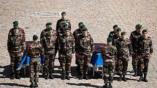 Soldats français morts au Mali: Bamako et Ouagadoudou solidaires de Paris