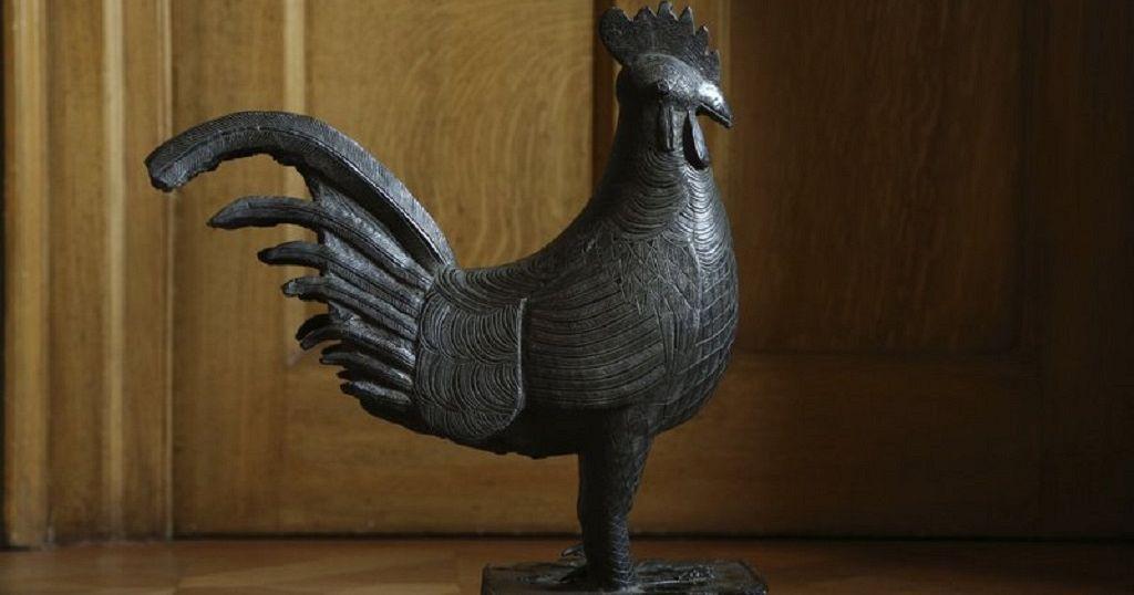 Héritage culturel : la Grande-Bretagne souhaite retourner au Nigeria un coq royal en bronze