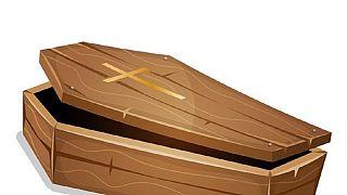 Nigeria : des bidons d'essence dissimulés dans des cercueils