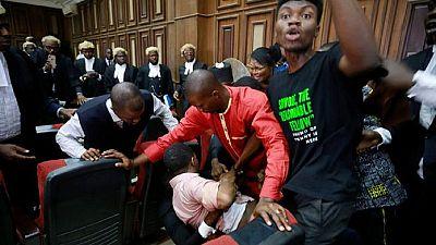 Nigeria : des agents du service de renseignements interrompent un procès