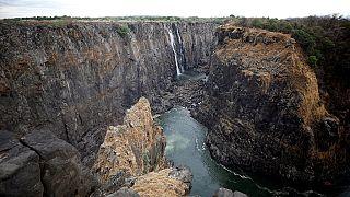 Sécheresse : perle touristique d'Afrique, les Chutes Victoria se meurent