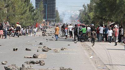 RDC : une policière arrêtée pour avoir tiré à bout portant sur un jeune manifestant