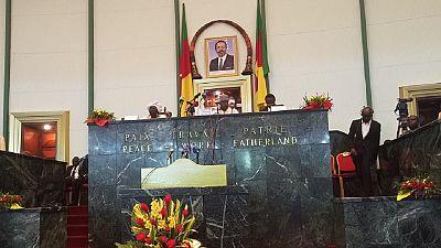 Cameroun : les députés examinent un projet de statut spécial pour les régions anglophones en crise