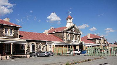 Afrique du Sud : la famille d'un écolier mort noyé dans des toilettes indemnisée