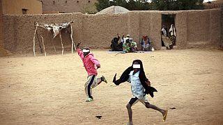 Mali : deux femmes circulant en charrette et deux soldats tués par des mines