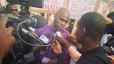 """Burkina : le polémiste Kémi Séba condamné pour """"outrage"""" au président"""