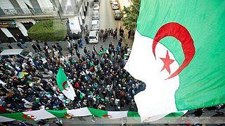 """Algérie : le """"Hirak"""" reprend la rue au lendemain des libérations de détenus"""