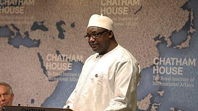 Des milliers de Gambiens manifestent pour le maintien au pouvoir du président