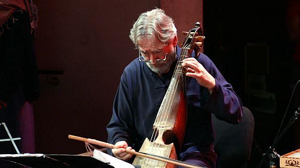 A Abu Dhabi, le compositeur Jordi Savall fait revivre la musique ancienne