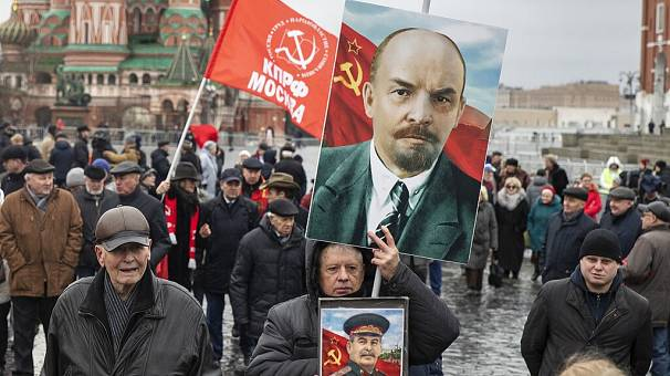 Russians pay respect to Vladimir Lenin, Soviet Union's first leader [No Comment] | Africanews