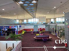 L'aéroport Paris - Charles de Gaulle désert.