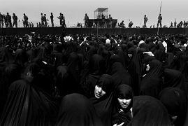 عزاداران درگذشت روح الله خمینی در سال ۱۹۸۹
